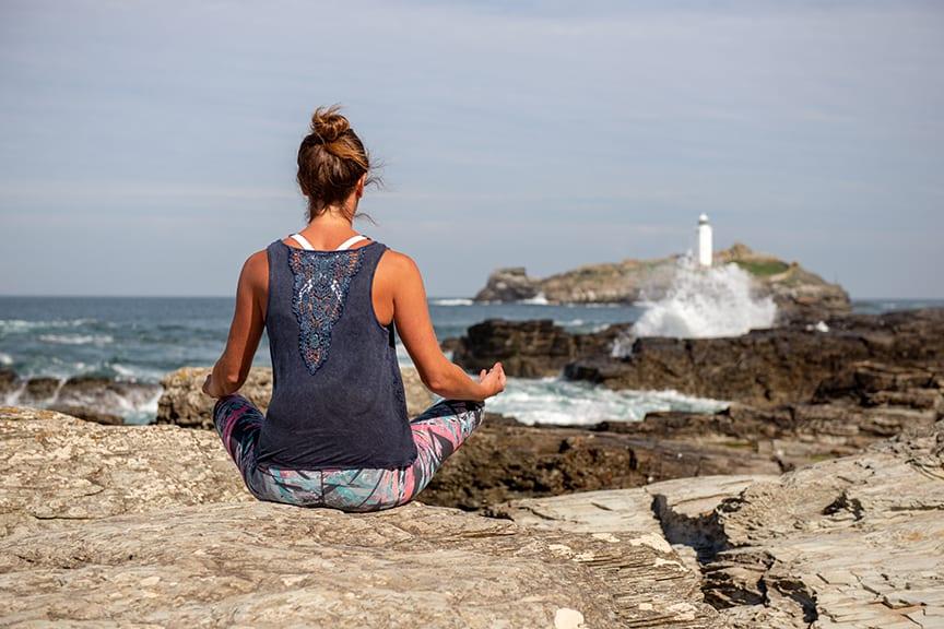 Beach Yoga - Alicia Ray Wellbeing